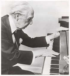 Wright at 88 (1955) Wright plays piano before Monona Terrace Testimonial Banquet